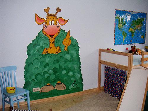 beispiel f r eine bemalte kinderzimmer wand. Black Bedroom Furniture Sets. Home Design Ideas